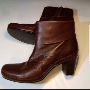Clark's Pleated Leather Ankle Boots w/Heel